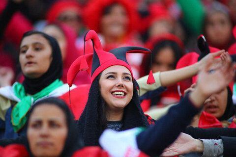 استفاده از پلیس زن برای دیدار دو تیم ایران و کامبوج